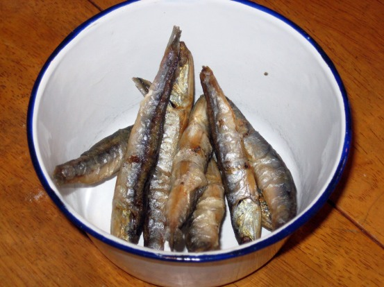 Anchovies deep fried